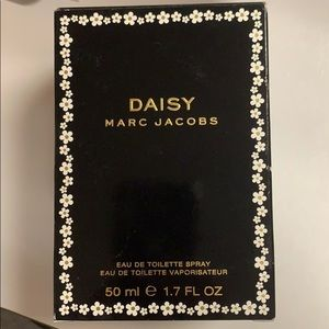 New Daisy By Marc Jacobs